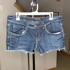 Cutoff denim shorts